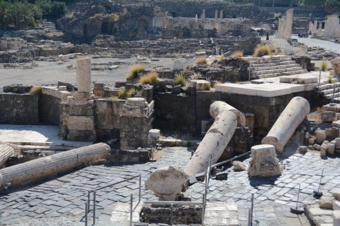Called a ruin for a reason ... this is where the Roman temple would have been. Brought down by an earthquake in 749 C.E.